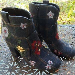 Indigo Embroidered 'Wool' fabric booties